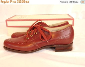 Birthday Sale Vintage Deadstock Leather Wingtip Oxfords Spectator Shoes, Women's Size 7 Narrow