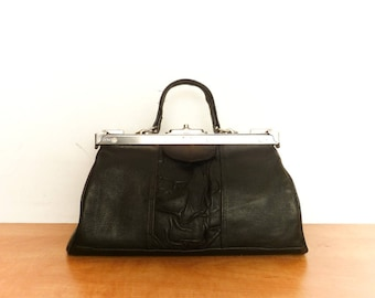 Vintage Black Doctors Bag Leather / Box Boxy Purse Bag / Handbag / Top Handle Bag / Silver Metal Frame / 50s 60s