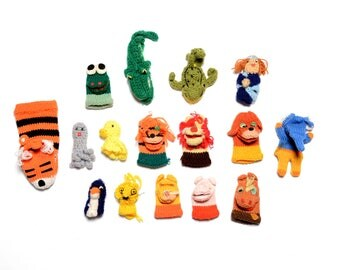 vintage 50s 60s finger puppet collection hand knit homemade Sarang Russ Berrie crochet puppet 1950 1960 toy collectible art craft