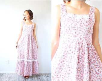 40% OFF CHRISTMAS in JULY Vintage bohemian floral maxi dress // hippie prairie lace floral floor length maxi dress // hippie dress // spaghe