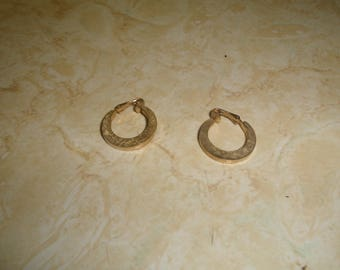 vintage clip on earrings brushed goldtone hoops avon