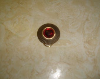 vintage scarf collar clip goldtone ripple red beveled glass
