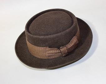 vintage 1950's -DOBBS 'Game Bird'- Men's porkpie hat. Low crown - Brown fur felt. Size 6 7/8 - 7   Small