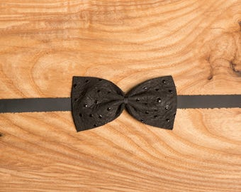 Ostrich dots Black Leather bow tie / chic leather bow tie / wedding bow tie / gift idea for him / leather / groomsmen bow tie / mans bowties