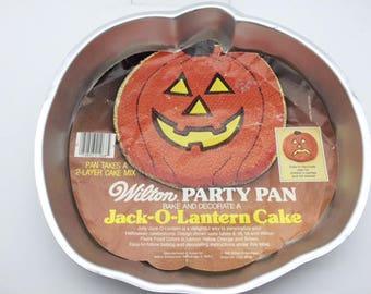 Wilton Jack-O-Lantern Cake Pan 1981 Never Used