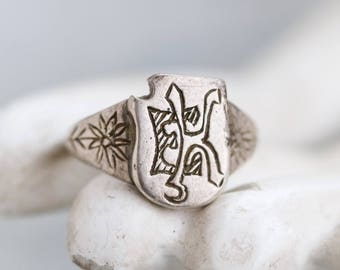 Silver Signet ring - Art Deco - Engraved Initials E K - Men's Sterling Silver Antique Ring Size 7.5