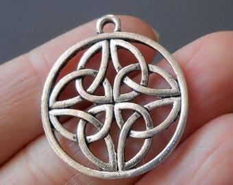 4pcs-silver Celtic Knot charm- antique silver knot charm