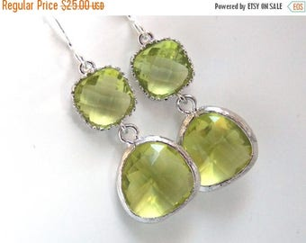SALE Green Earrings, Peridot Earrings, Apple Green Earrings, Silver Green Apple, Wedding, Bridesmaid Earrings, Bridal Jewelry, Bridesmaid Gi