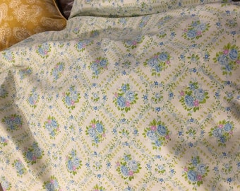 Full Double Flat sheet vintage Blue white rose bouquet green floral print
