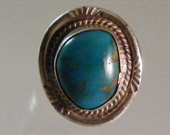 Vintage  Southwest Vivid Turquoise  Ring in Sterling Silver   ..... Lot 5439