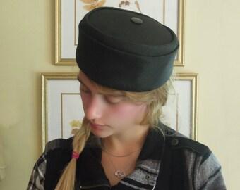 Vintage Black Pillbox Hat / Fascinator