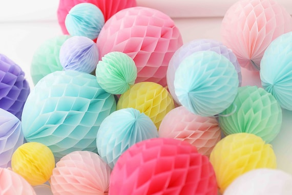 Pastel candy paper honeycomb set - 16 mixed size ...