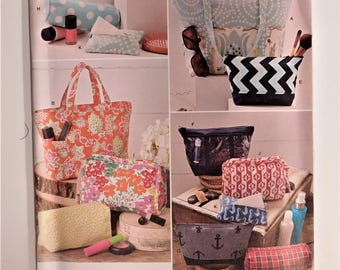 Assorted Carryall Bags, Tote Bags, and Cosmetic, Toiletry and Travel Bags, New Simplicity Sewing Pattern 1153 - 26 Pieces