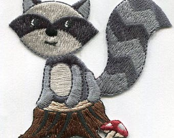 woodland racoon iron on applique
