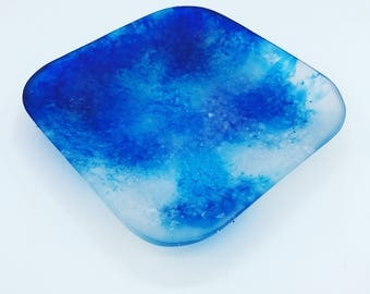 Blue ink drop with rock salt in resin square plate