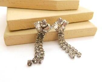 Vintage 1950s Glam Clear Rhinestone Silver Tone Dangle Earrings TT28