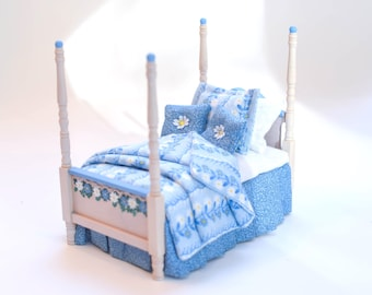 DAISIES Blue & White Twin Bed Dollhouse Miniature Master Bedroom 1:12 White-Wash Four Poster Bed Hand Painted