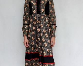 Gorgeous 70s Gunne Sax boho high neck floral prairie midi dress