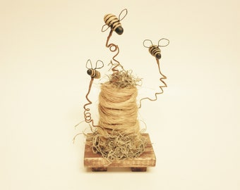 Primitive Bee Hive, Bee Skeps, Bee Hives, Spring Decor, Primitive Bee Skeps, Primitive Bees, Country Farmhouse Decor