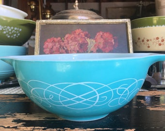 RESERVED Pyrex Turquoise White Scroll Cinderella Bowl 443 21/2 quarts