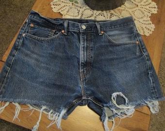 Levis CUTOFF Denim Jean SHORTS W 38 Measured Hot Pants High Waisted