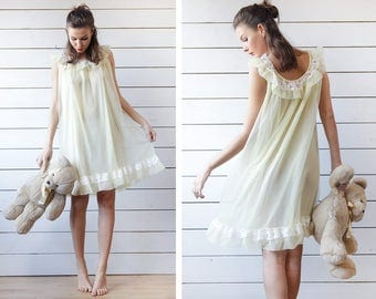 Vintage pale yellow nylon white lace trim night dressing gown slip dress S M