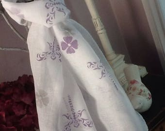 Fabulous handprinted dragonfly detail, on a white muslin handmade scarf.