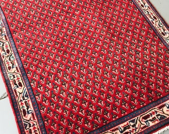 "SHIPS FREE! Vintage Persian Area Rug - 4'11""x3'2"""