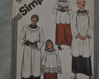 Choir Robe Pattern - Size Extra Large - 2 Lengths - UNCUT - Simplicity 5723