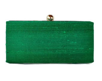 Emerald minaudiere clutch /Holiday minaudiere clutch/Custom made/wedding clutch/Clamshell clutch/Gift for her/ Christmas party  box clutch