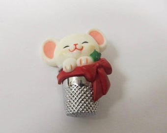 ON SALE HALLMARK Christmas Mouse In Thimble Pin Item K # 2341