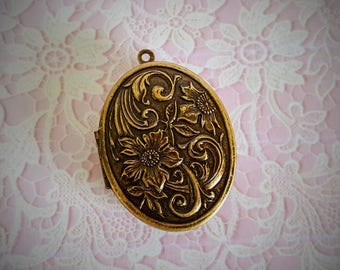 "Ready-to-Fill Solid Perfume Locket -- ""Floral"" SKU: 1583"