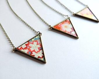 Necklace - lucky Waltz / triangle flowers