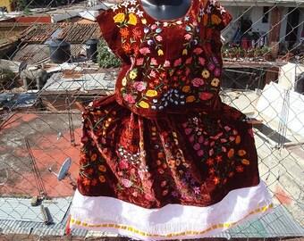Chocolate Velvet Floral Tehuantepec Traje