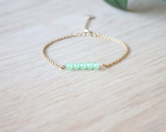 Mint bracelet with gold plated chain 24K / bar bracelet / crystal beads / dainty bracelet for women