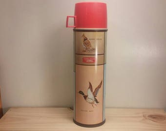 Vintage GAME BIRDS THERMOS in Excellent Condition with Red Cap and Stopper, unbroken liner, Vivid Colors!