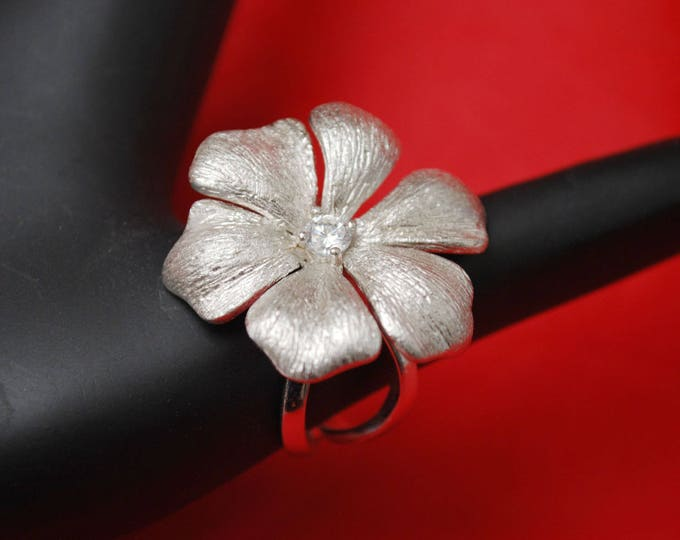 Sterling Ring - Large Silver daisy Flower - Clear Rhinestone - size 9 - Boho