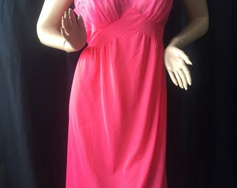 1950's NEW SEAMPRUFE NIGHTGOWN fabulous knee-length Size 40 Coral nylon
