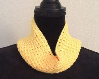 Florie Yellow  Cowl