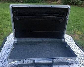 17% OFF SALE Dark Gray Laptop Case/Samsonite Briefcase/Commuter Briefcase/Mad Men Briefcase/Attache Case/Hard Shell Briefcase/18 x 12 x 2 Ca