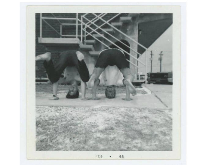 Vintage Photo Snapshot: Headstands, 1968 (76588)