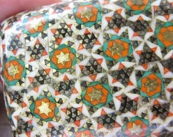 Middle Eastern Arabian Khatam Kari Style Inlaid Handmade Wood خاتم کاری Small Vintage Ring, Jewel, Pill, BOX Small Case Mideast Collectible