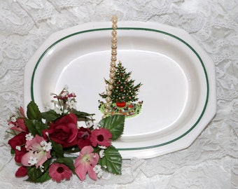 Pfaltzgraff Christmas Heritage ALL Original - Oval Vegetable Bowl - Barely Used