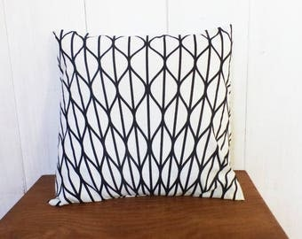 Cushion 40 x 40 cm patterns sheets black and white graphics