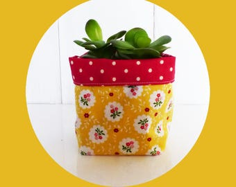 Planter - or small 10 x 10 cm - fabric retro flowers yellow / red polka dots