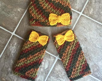 Crocheted Bow beanie and leg warmer set