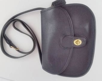 COACH Black Leather Prairie - Saddle Bag Flap Front Twist Lock Authentic #9954 USA Preppy - Hipster - Hippie in excellent vintage condition.