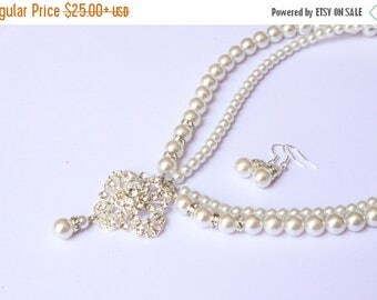 20% OFF Sale Bridal Set, Bridesmaids gift - Pearl Jewelry sets with Bracelet and Earrings