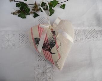 coeur coussin de porte joli tissu poule et linge ancien festonné plumetis campagne