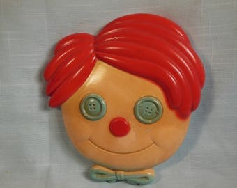 """Vintage--Raggedy Andy-Chalk Wall Decor-6"""" Tall x 5 1/2"""" Wide"""